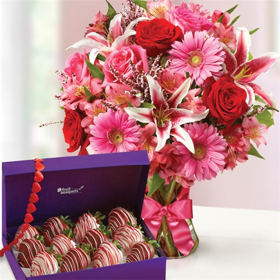 Fields of europe™ romance with strawberries flowers
